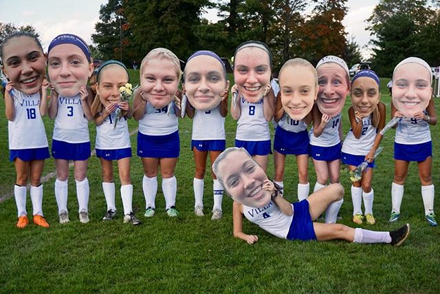 Field Hockey Celebrates Seniors